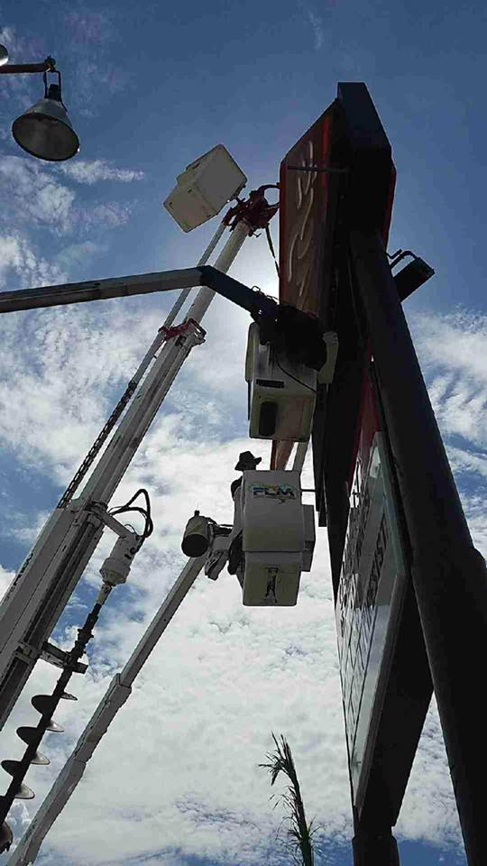 Bucket Truck and Lighting Pole Services SERVICES IN St Petersburg FL with Energy Efficient Lighting Upgrades and Design Audits for your Commercial Construction or Remodeling Project